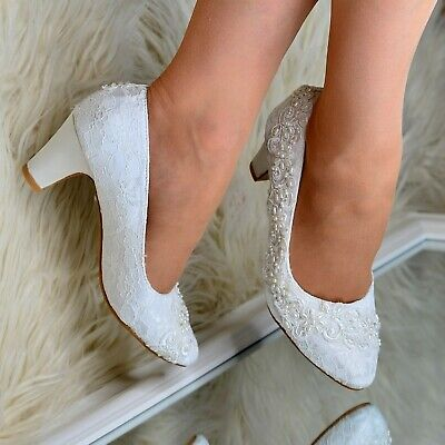 Womens Embellished Bridal Shoes Lace Wedding Low Mid Block Heel Full Toe Pumps • 21.95£