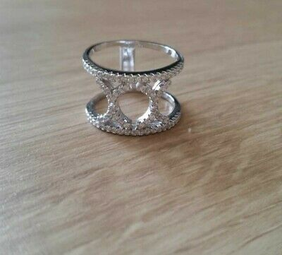 Brand New Solid Sterling Silver Patterned Band Ring With White Topaz Size N • 25£