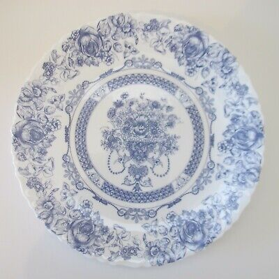Vintage French Arcopal Dinner Plate Blue And White Honorine Pattern 10 3/4   • 19.99$