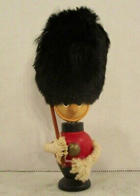 Royal Guard Beefeater Soldier Wooden Gnome Style Figure Figurine Vintage Fur Hat • 15.33£