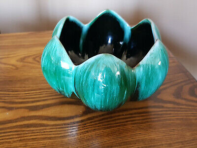 $ CDN9.99 • Buy Blue Mountain Pottery Lotus Shape Bowl