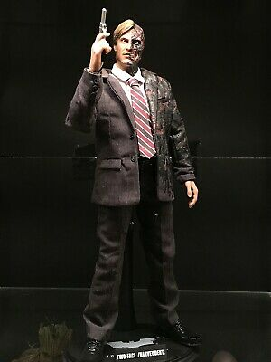 $ CDN355 • Buy Hot Toys Two-Face MMS-81 (Batman The Dark Knight)