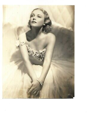 $ CDN42.35 • Buy 1939 LOVELY MADELINE CARROL  BARE SHOULDER POSE PORTRAIT ORIG VINTAGE Photo 199