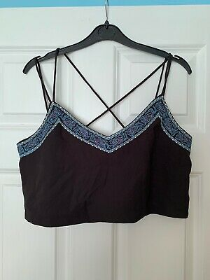 £2 • Buy Hearts And Bows Embroidered Crop Top 14