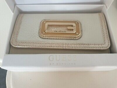 AU25 • Buy Unwanted Gift New Guess Wallett