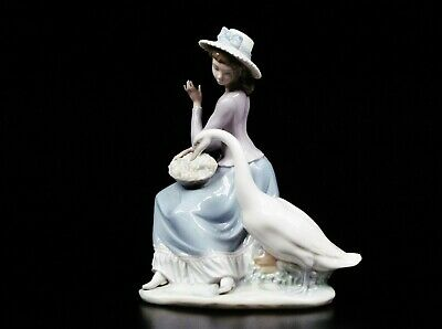 $125 • Buy LLADRO Figurine Girl With Goose Hand Made In Spain 9 1/2  Tall
