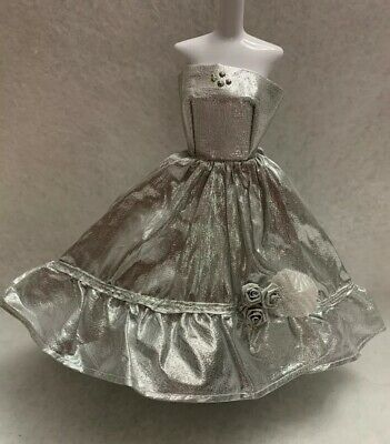 EVENING DRESS MODEL MUSE BARBIE DOLL Metallic Silver High Low GOWN • 7.93£