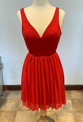 Wal G Red Plunge Neck Pleated Skate Dress UK Size 8 • 15£