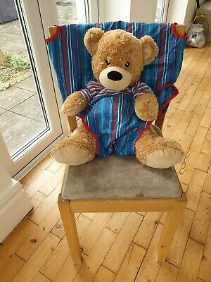 Totseat Portable Highchair. • 3£