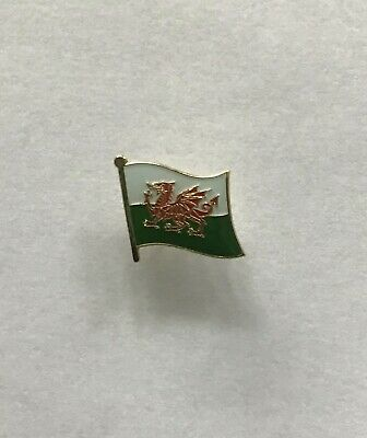 (Wales) Welsh Flag Pin Badge • 2.50£