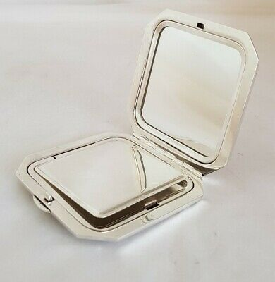 Sterling Silver Compact. Engine Turned. Birmingham 1961.By H Pidduck & Sons  • 95£