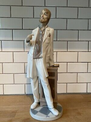 "$174.99 • Buy Lladro Figurine 5948 Physician Mint Retired Male Doctor Large 13 1/2"" Tall"