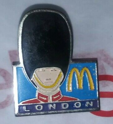 Vintage RARE London Royal Guard Bearskin Hat McDonalds Gold ARCHES Old HTF Pin • 13.78£