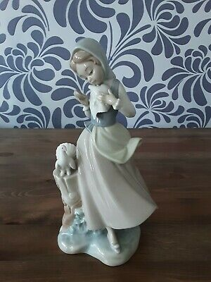 Lladro Rare Antique Discontinued 1960's Edition Of Girl With 2 Doves • 80£