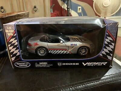 $14.99 • Buy Mobil Dodge Viper SRT-10 Car 1:24 Die-cast Metal Special Edition Silver 2004 Box