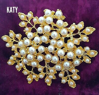 Large Faux Pearl Flower Bouquet Vintage Style Gold Tone BROOCH Pin Broach Gift  • 5.20£