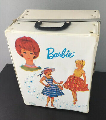 $ CDN131.81 • Buy 1964 BARBIE DOLL TRUNK CASE WITH CLOTHES, HANGERS, Accessories AND DOLLS