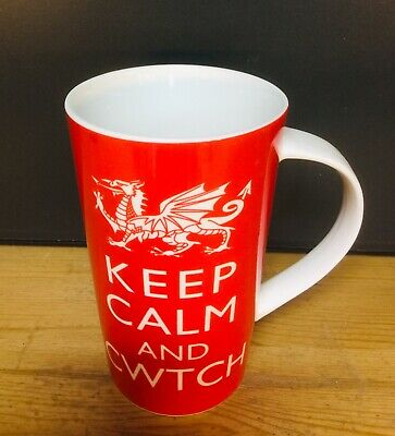 """£8.95 • Buy WELSH DRAGON  LATTE MUG , """"KEEP CALM AND CWTCH """" With Gift Box New"""