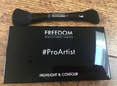 FREEDOM MAKEUP HD Highlighter & Contour Set With Brush - Bronzer Strobe Palette • 10.99£