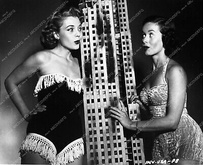 $ CDN40.08 • Buy 2241-08 Noel Neill Peggie Castle In Swimsuits Miniature Sets Invasion USA 2241-0