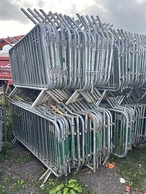Crowd Control Barriers Pedestrian Barrier Social Distancing Barriers • 450£