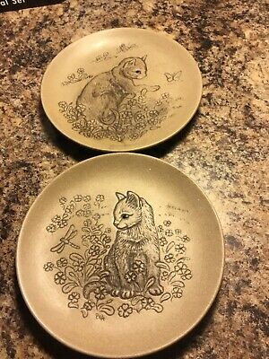 Two Poole  Pottery Cat Stoneware Cat Plates Perfect Condition. • 8£