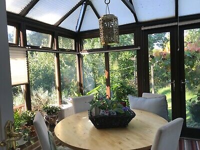 Ikea Round Extendable Kitchen/dining Table With Fitted Leaves • 31£