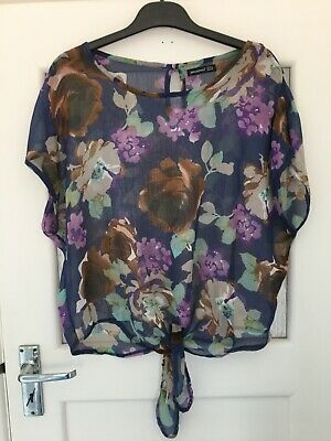 Pretty Floaty Top With Tie Front Size 12 • 3£