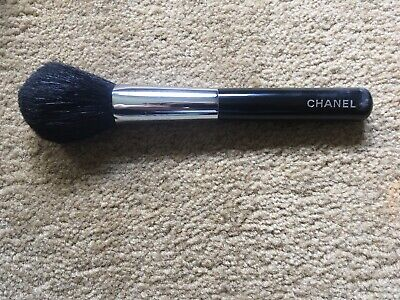 Chanel Powder Face Brush • 10.50£