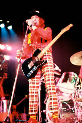 OLD MUSIC PHOTO Of Noddy Holder And Slade Performing On Stage • 4.63£