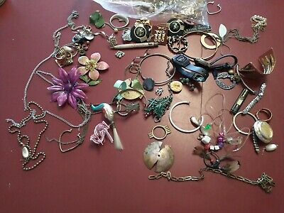 $ CDN13.18 • Buy Lot Of Costume Jewelry - UNSEARCHED, UNTESTED, Vintage Estate Lot