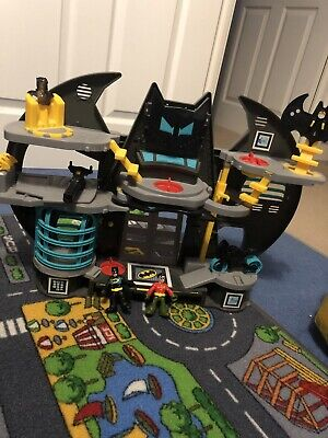 Imaginext Batman Bat Cave Playset • 20£