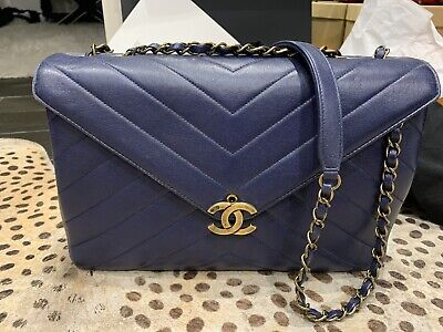 AU3899 • Buy Navy Blue Authentic Chanel Bag