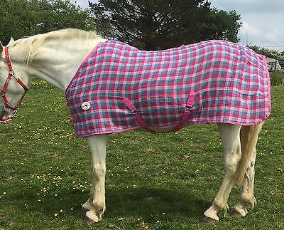 QUALITY PINK WAFFLE RUG/COOLER 4'9   By Top Horse Uk • 23£