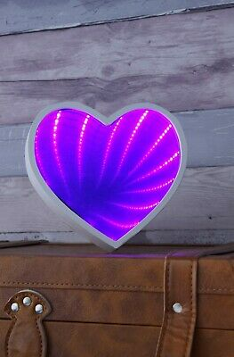 £8.29 • Buy Wooden Frame Pink Heart Infinity Mirror Light LED - Lyyt Battery Powered