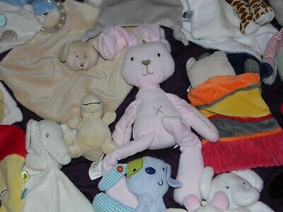 Job Lot Of 32 Baby Comforters Soft Toys Blankies Bundle Mamas And Papas   • 45£