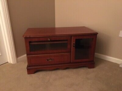 Very Smart Tv Cabinet In Outstanding Condition. Glass Doors And Storage Drawer • 8.50£