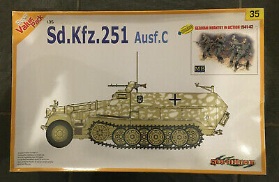 Dragon/Cyber-hobby 1/35 Sd.Kfz.251 Ausf.C Half Track With Figures • 16.99£