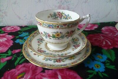 Lovely Coalport English China Trio Tea Cup Saucer Plate Ming Rose • 9£