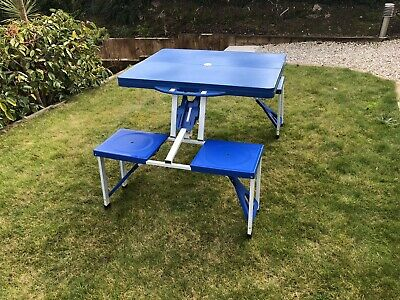 Folding Portable Camping Table And Chairs • 13.40£