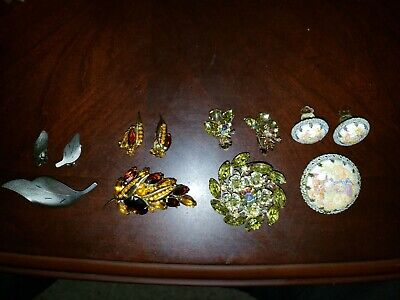 $ CDN1.30 • Buy Vintage Costume Jewelry Lot 40s 50s 4 Sets Of Matching Brooch And Earrings