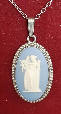 WEDGWOOD Blue Jasper And Sterling Silver Necklace • 15£