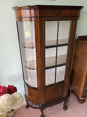 Antique Bow Fronted Mahogany Display Cabinet With Queen Ann Legs • 50£