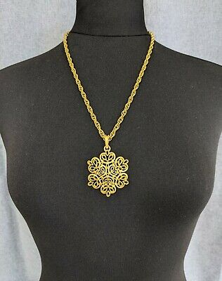 Lovely Vintage Gold-tone Openwork Snowflake Pendant Necklace By Trifari Jewelry • 68£