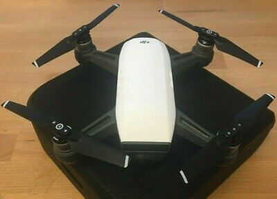 AU350 • Buy *REDUCED* DJI Spark UAV / Camera Drone, White - Excellent Condition With Case
