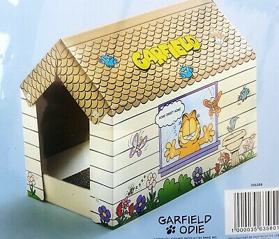 Cat Or Kitten Cardboard Scratching Pad / Play House. NEW & SEALED • 8.50£