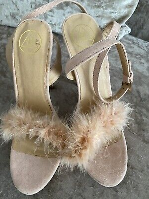 Missguided Fluffy Size 3 Shoes • 6£