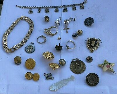 $ CDN17.60 • Buy LOT Vintage Jewelry Brooches Pins Military Buttons Rings Cameo MOP Fish Medals
