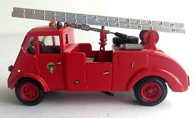 MMT Sapeurs Pompiers French Crash Truck Fire Engine ResinNo 42 • 20£