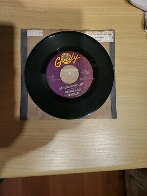 Dancing In The Street Martha And The Vandellas There He Is • 9£